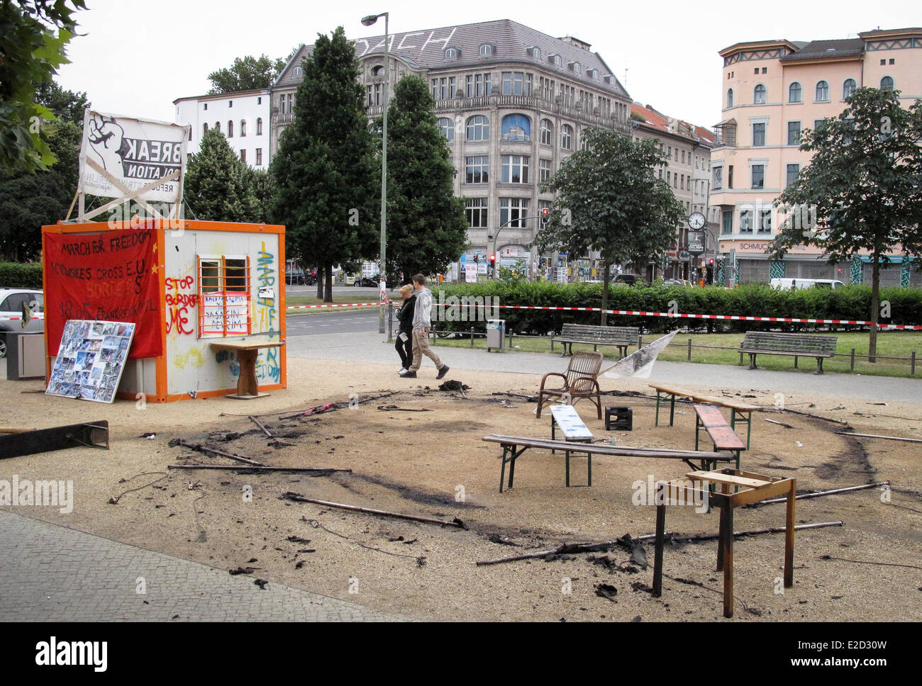 The remains of the burnt down infor tent at Oranienplatz in Berlin, Germany, 19 June 2014. The info tent of the - Stock Image