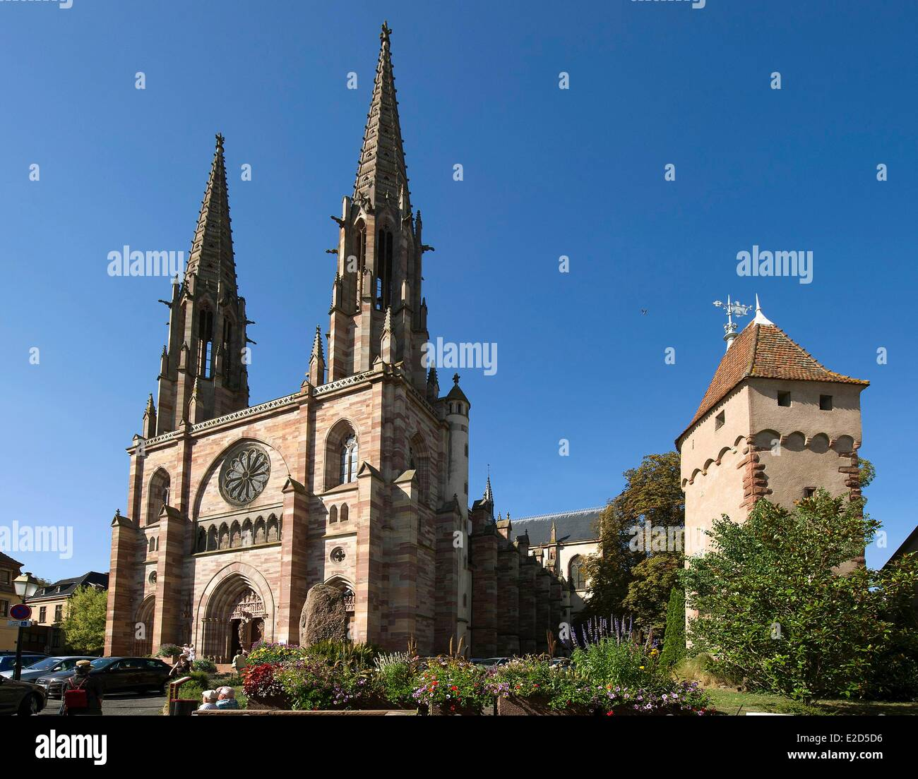 France Bas Rhin Obernai Saint Pierre and Paul church and tower of Poudriere at the bottom of the ramparts - Stock Image