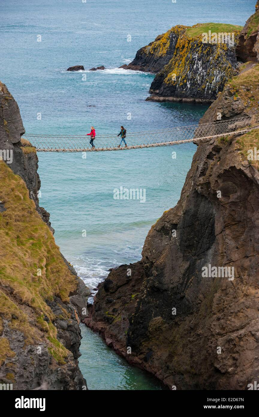 United Kingdom Northern Ireland County Antrim suspended the Carrick-a-Rede Bridge near Ballintoy - Stock Image