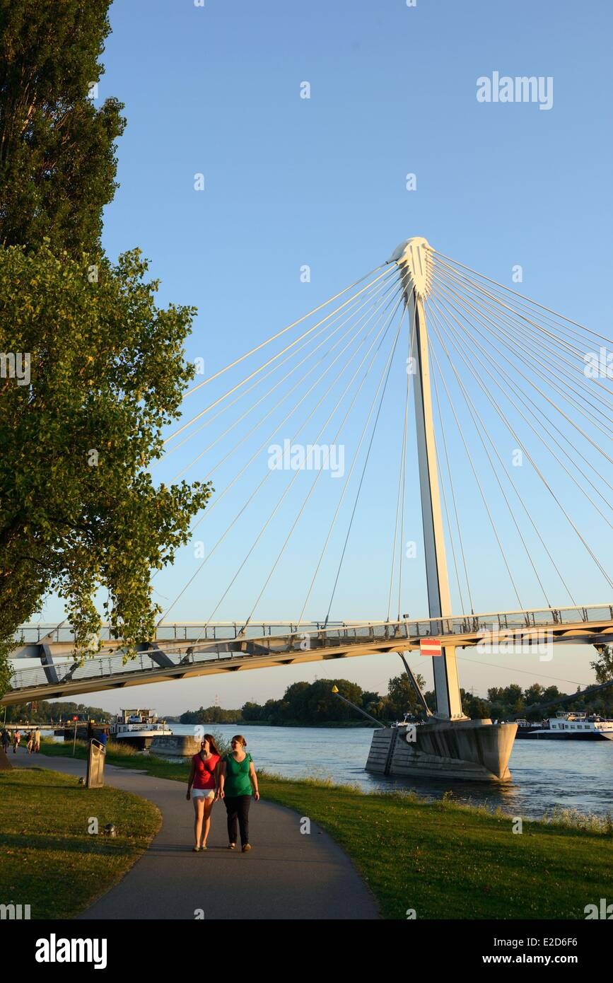 France Bas Rhin Strasbourg Passerelle Mimram over the Rhine River and the Jardin des Deux Rives (two banks garden) Stock Photo