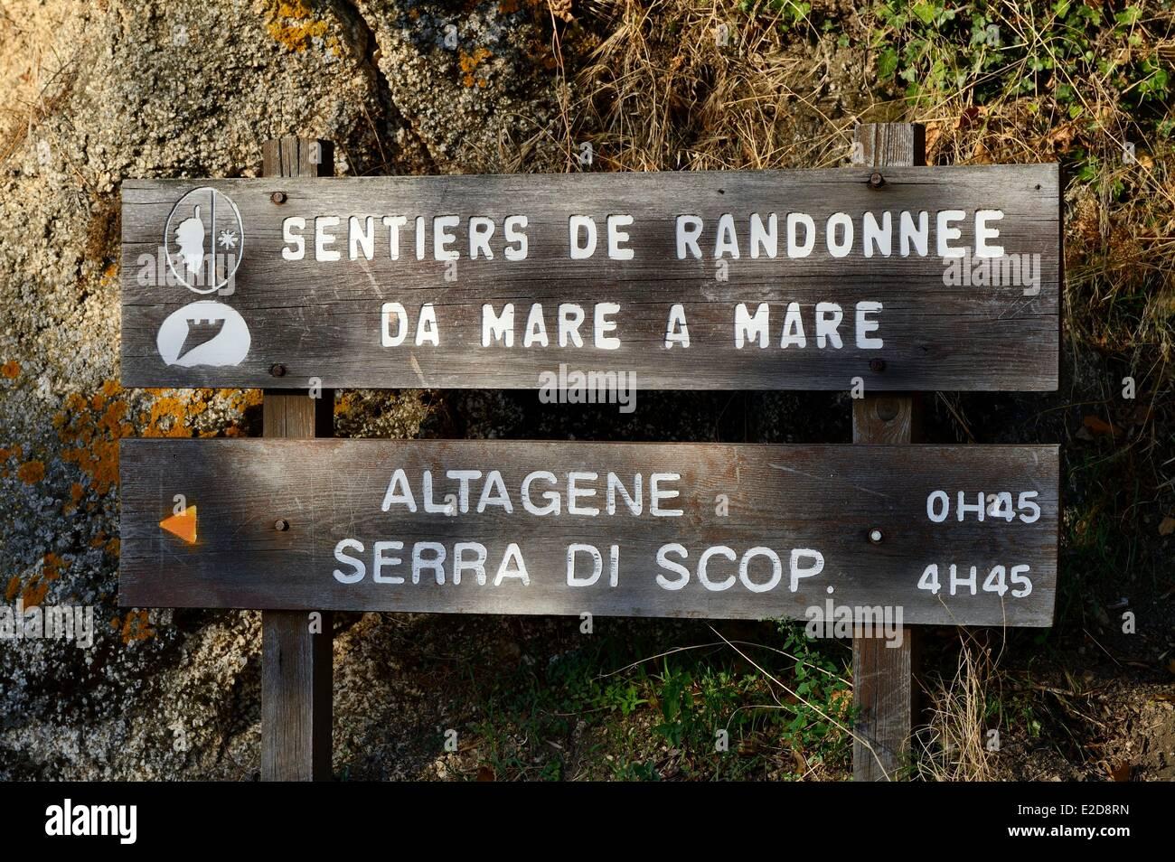 France, Corse du Sud, Alta Rocca, signpost for the Gr trail Da Mare A Mare - Stock Image