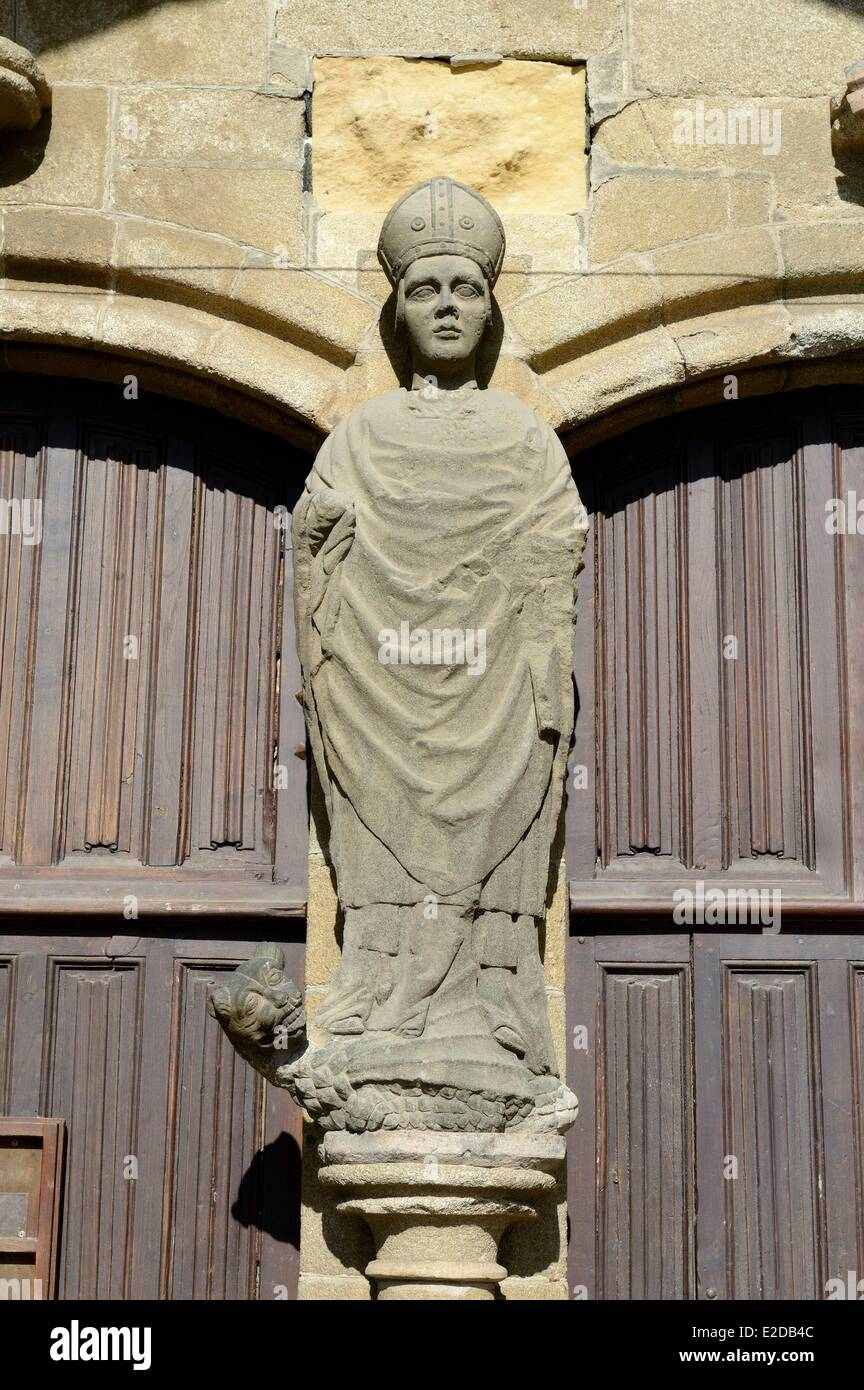 France, Finistere, Saint Pol de Leon, former cathedrale Saint Paul Aurelien, the west porch, statue of Saint Pol - Stock Image