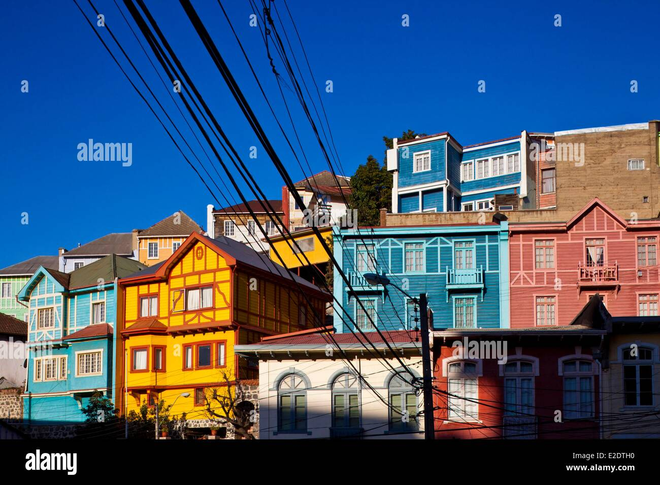 Chile Valparaiso Region Valparaiso historical centre listed as World Heritage by UNESCO colorful houses - Stock Image