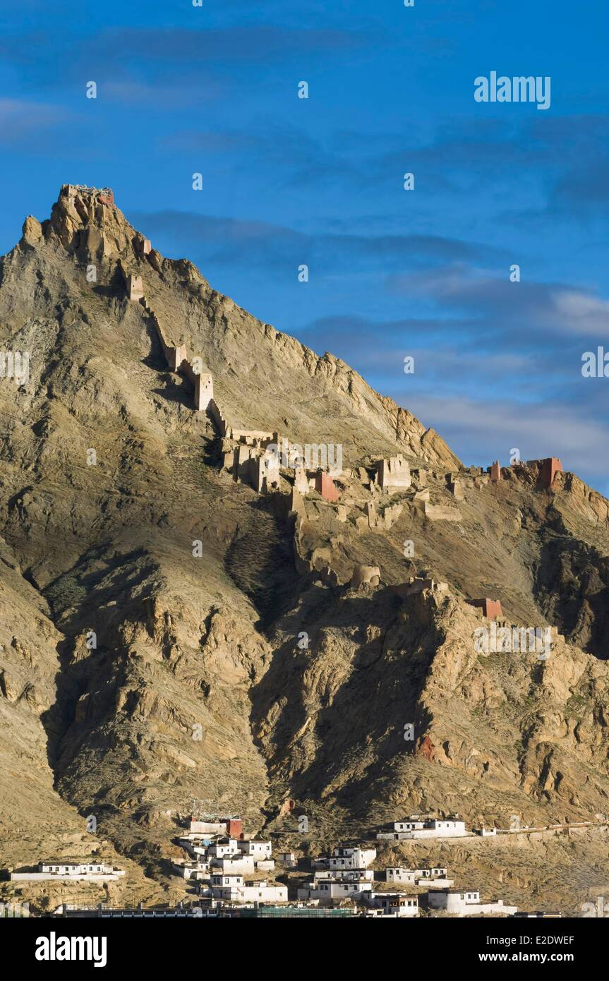 China Tibet U Tsang province citadel and monastery of Shegar - Stock Image