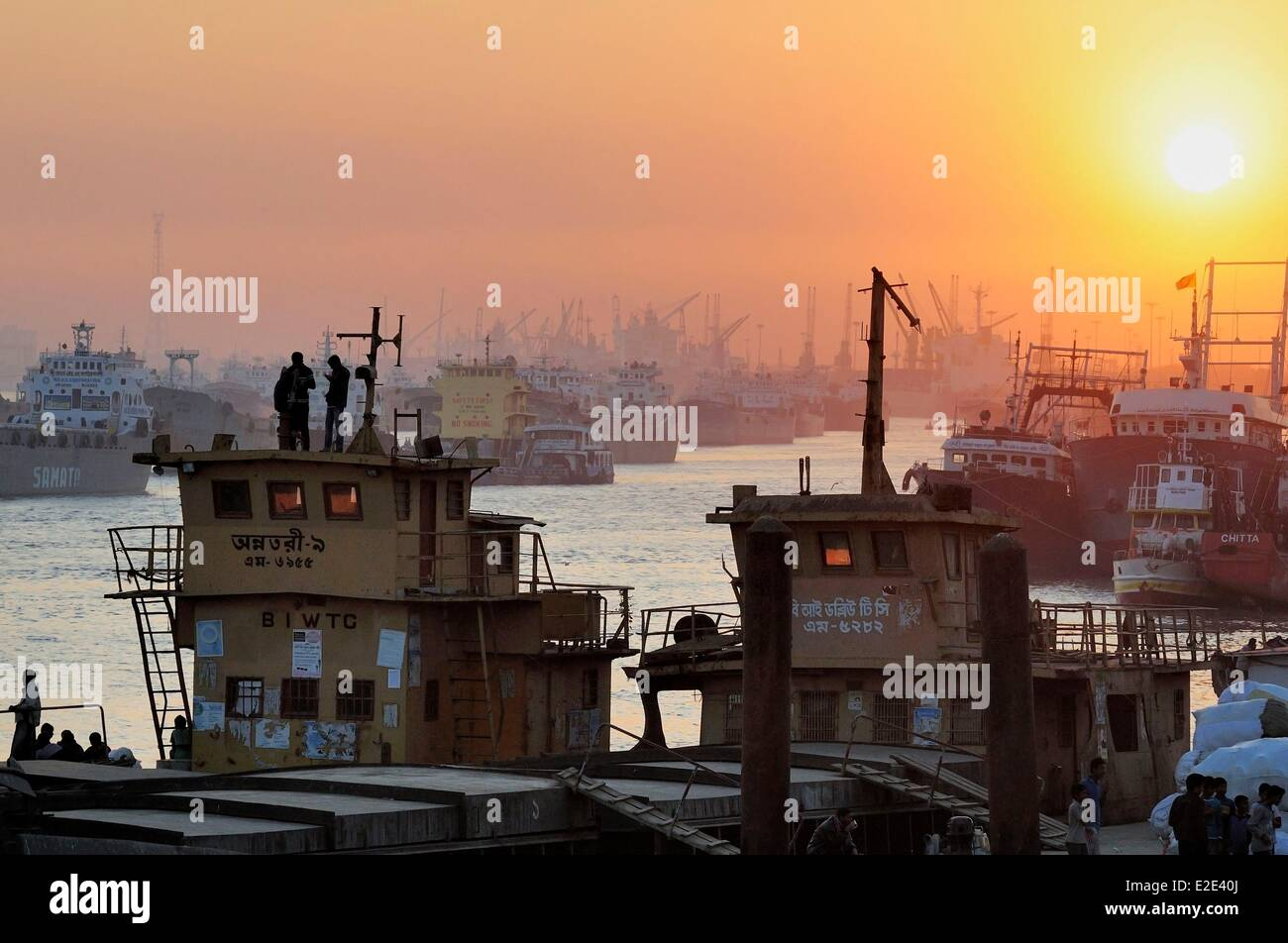Bangladesh Chittagong principal seaport and second largest city of Bangladesh located at the estuary of the Karnaphuli - Stock Image