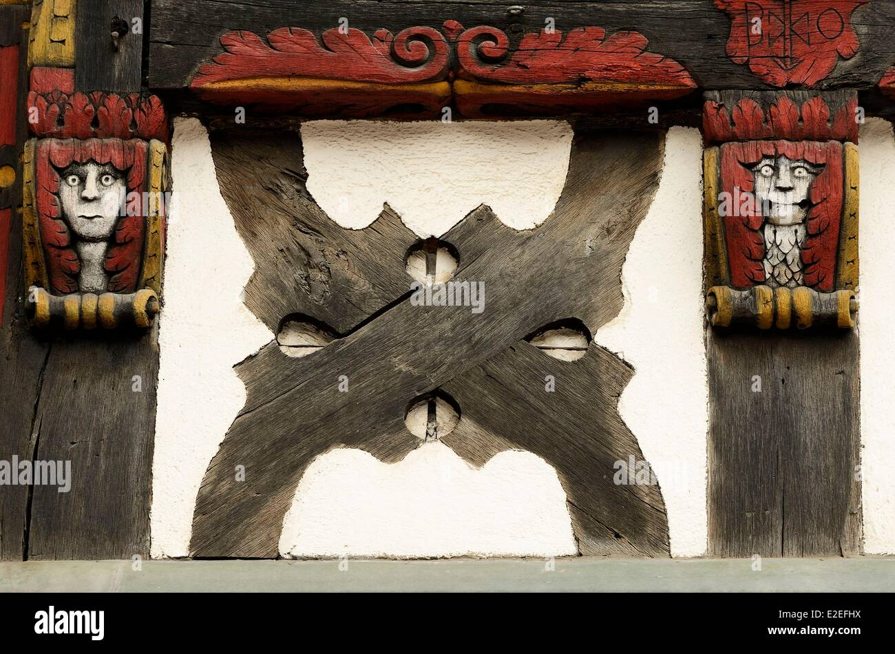 France, Haut Rhin, Kaysersberg, De Gaulle street, timbered houses, the house Brief, sculptures, personages - Stock Image
