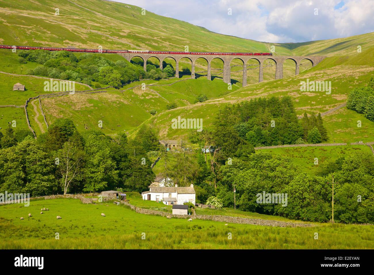 LMS Jubilee Class 45699 Galatea 'Fellsman', steam train on Arten Gill Viaduct. Settle to Carlisle Railway - Stock Image