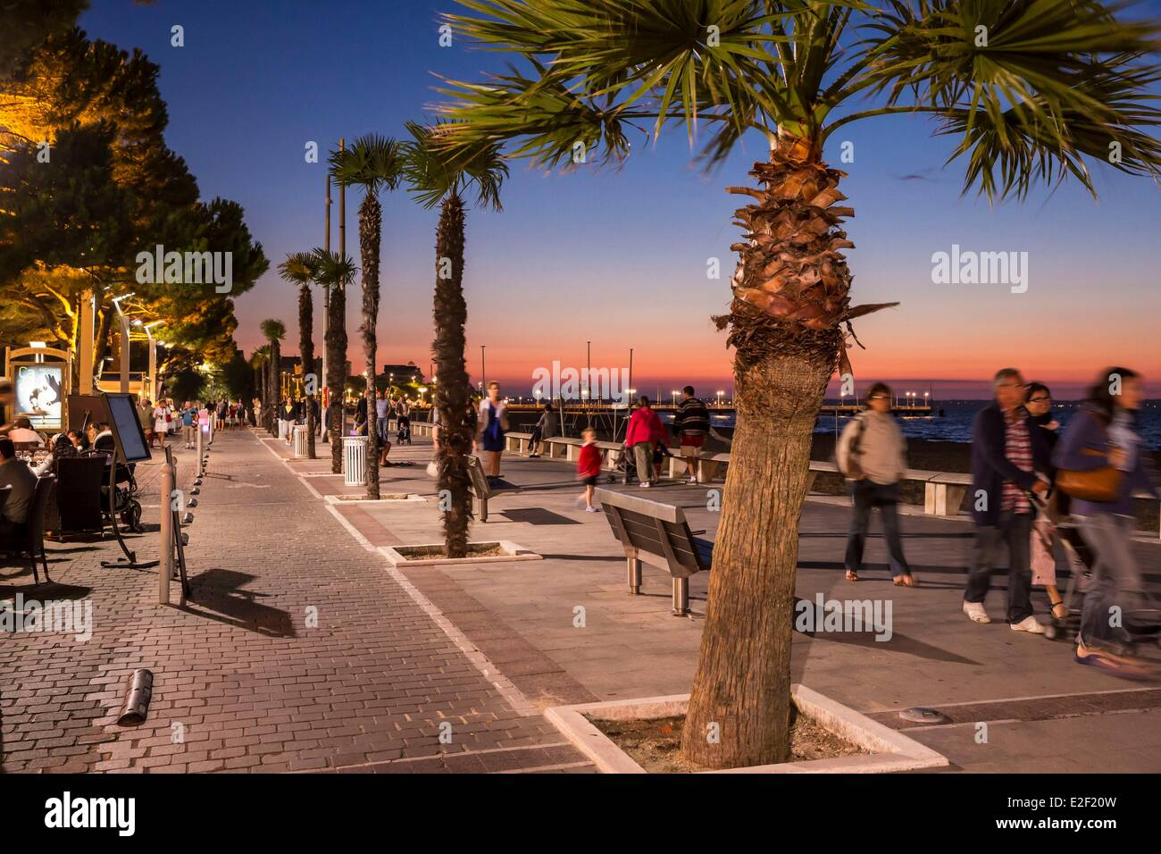 France, le Bassin d'Arcachon, Arcachon, the waterfront - Stock Image