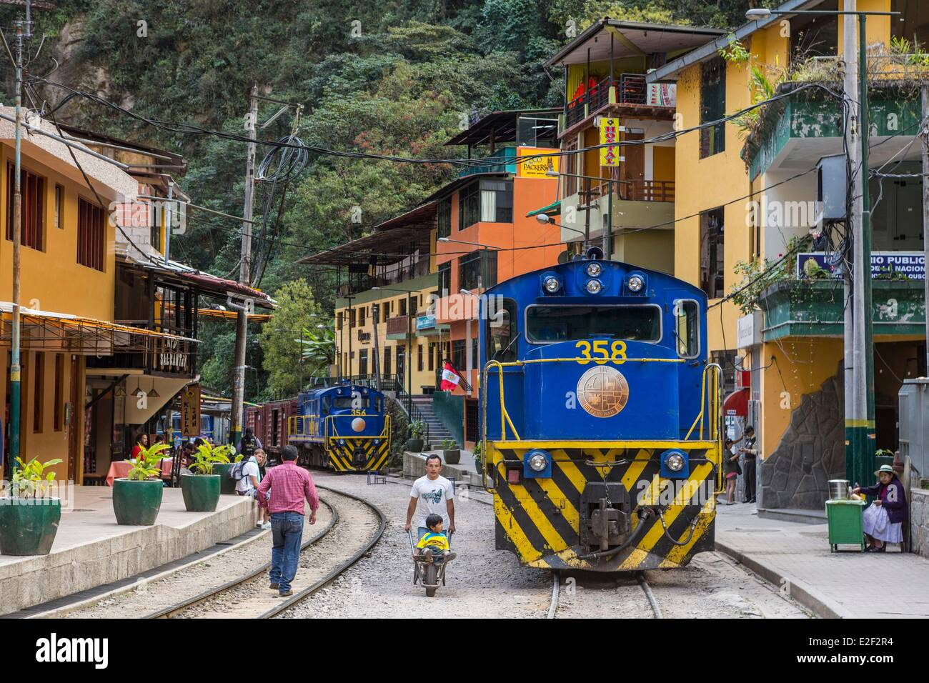Peru, Cuzco Province, the Sacred Valley of the Incas, Aguas Calientes village at the foot of Machu Picchu - Stock Image
