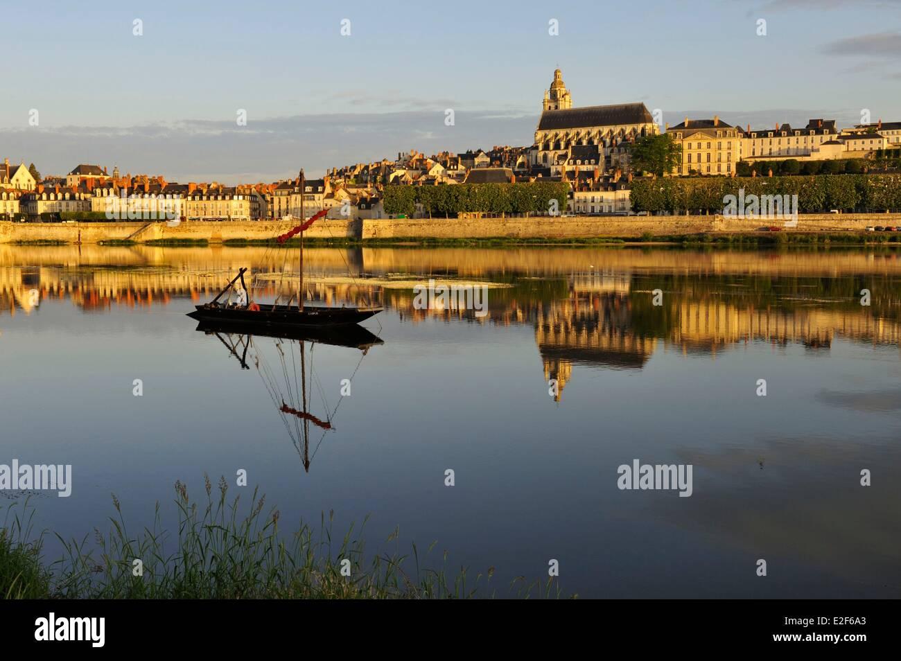 France Loir et Cher Loire Valley listed as World Heritage by UNESCO Blois Pont Jacques Gabriel bridge over Loire - Stock Image