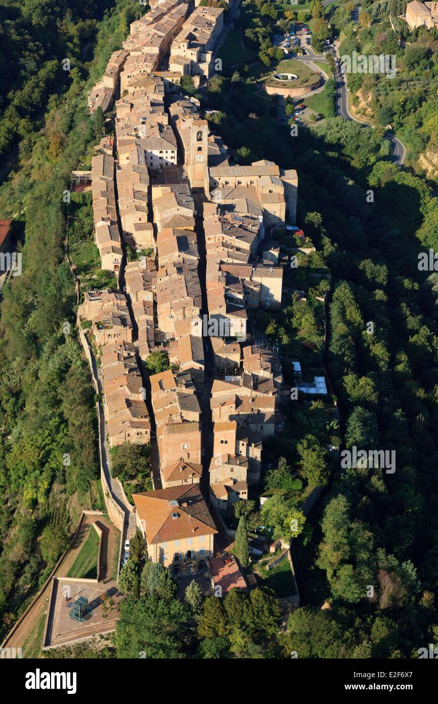 Italy, Tuscany, Val d'Elsa, Colle di Val d'Elsa (aerial view) - Stock Image
