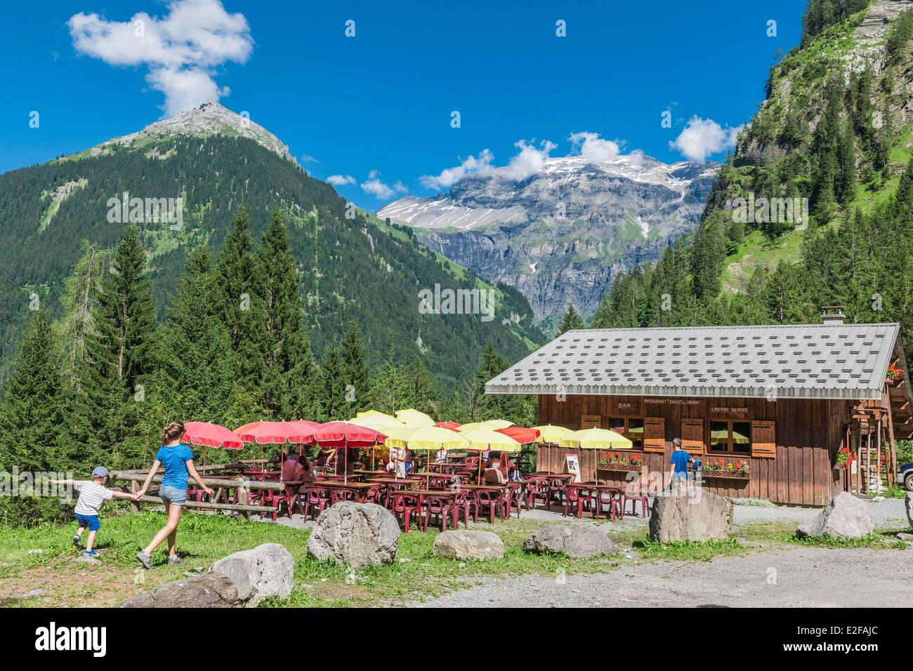 France, Haute-Savoie, Giffre valley, Lignon chalet, starting point of the hiking to the pass Anterne - Stock Image