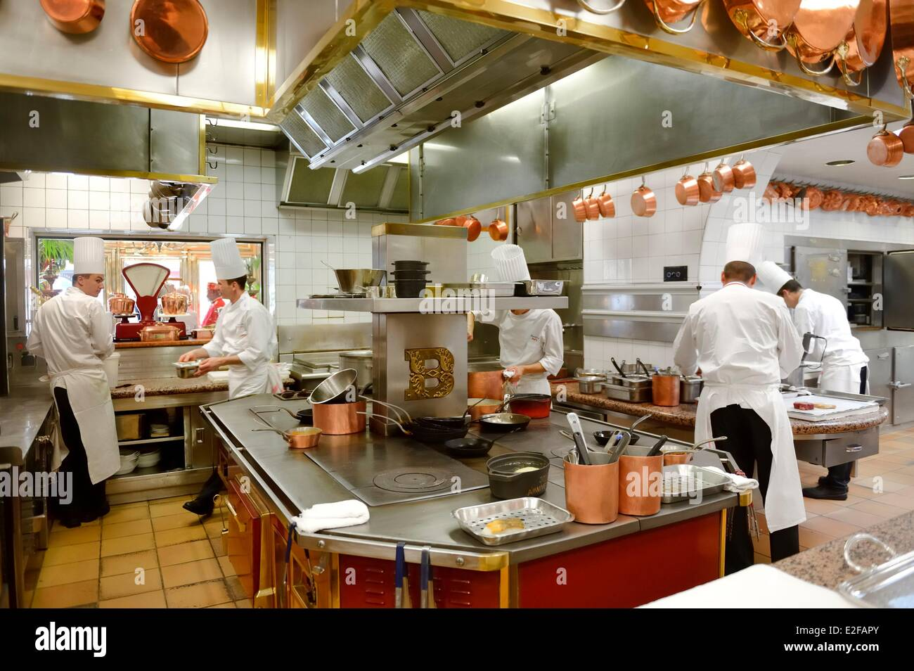 france rhone collonges au mont d 39 or paul bocuse restaurant l 39 auberge stock photo 70408547 alamy. Black Bedroom Furniture Sets. Home Design Ideas