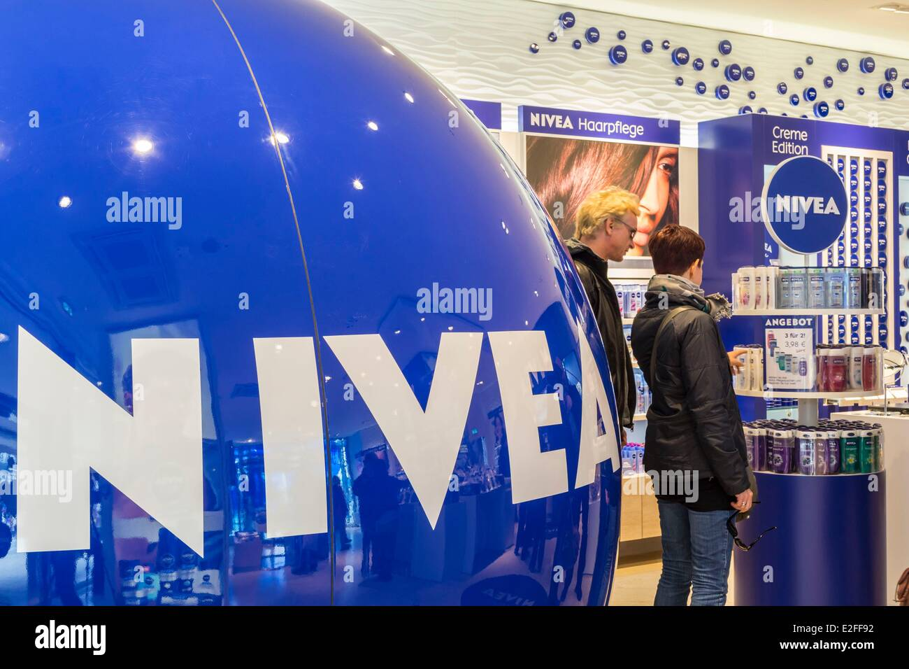 Germany, Hamburg, Nivea Haus, Nivea brand was founded locally in 1911 and belongs to the German group Beiersdorf - Stock Image