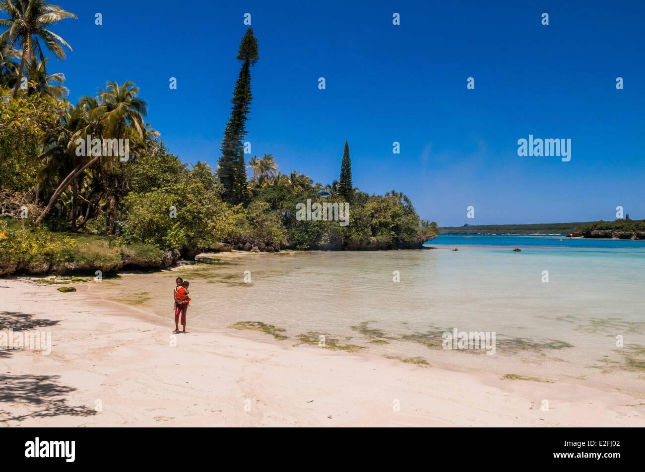 France, New Caledonia, Loyalty island, Lifou island or Drehu, south part of island, Luengoni bay and beach - Stock Image