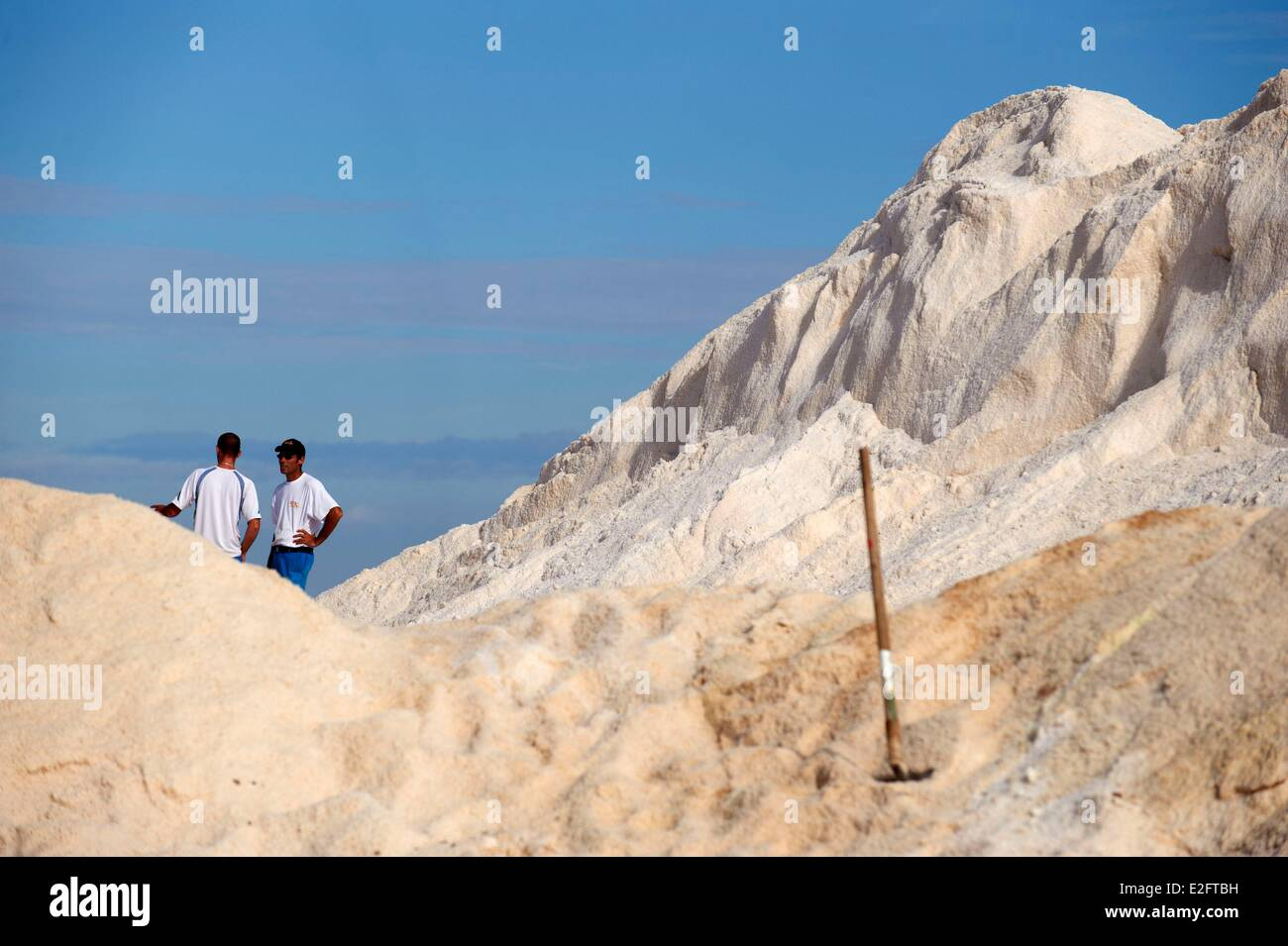 France Aude Gruissan salines of the island of St. Martin in Gruissan crushing salt intended for salting roads - Stock Image