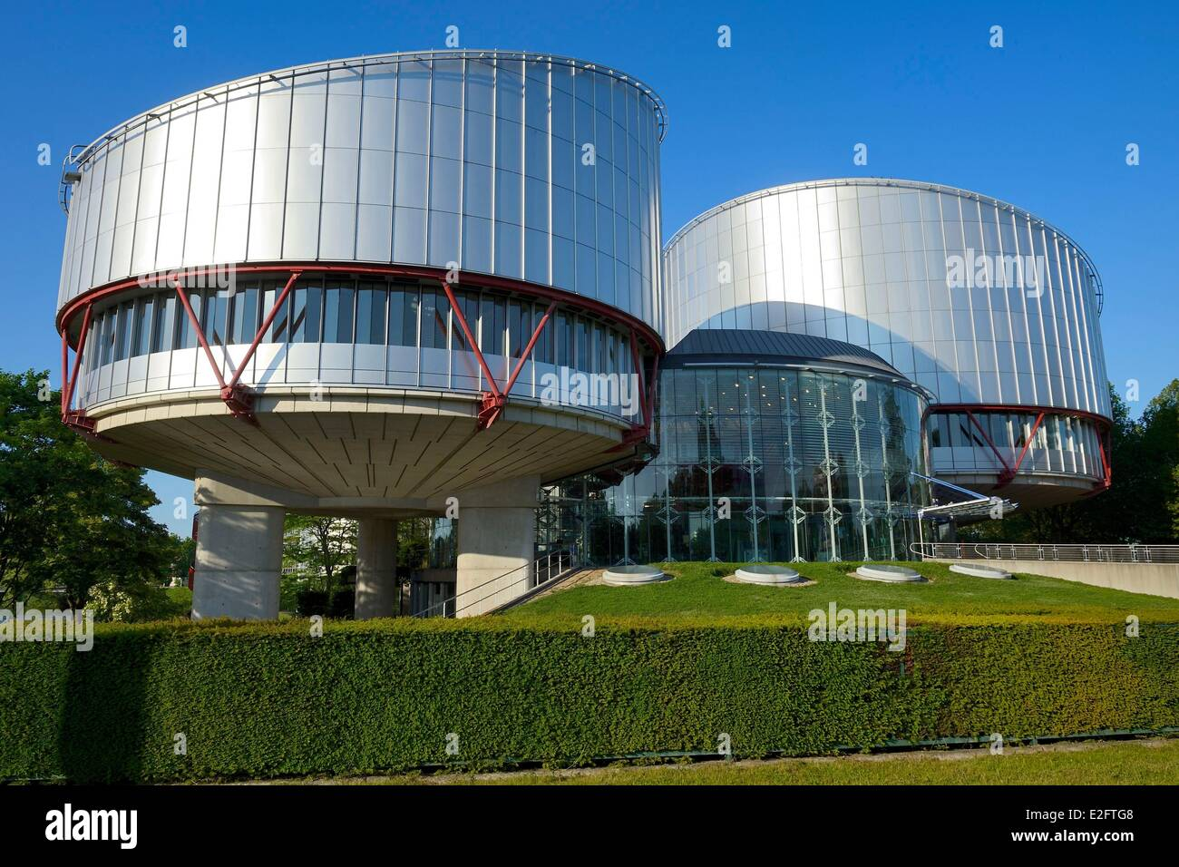 France Bas Rhin Strasbourg Human Rights building by architect Richard Rogers on quay Ernest Bevin - Stock Image