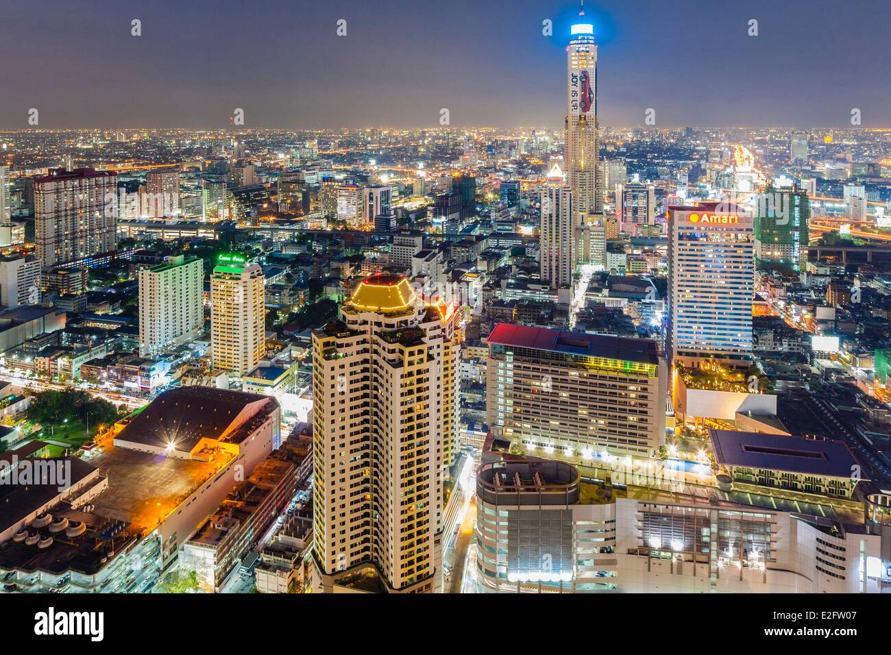 Thailand Bangkok overlooking the city center from the Red Sky restaurant on the roof of Centara Grand at CentralWorld - Stock Image