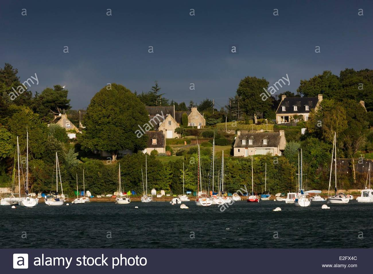 France Ille et Vilaine Cote d'Emeraude (Emerald Coast) Rance Valley St Malo Quelmer Rance Valley on the dock of Stock Photo
