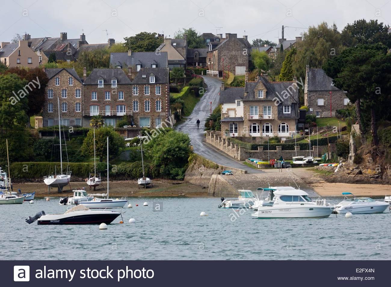 France Ille et Vilaine Cote d'Emeraude (Emerald Coast) Rance Valley Le Minihic sur Rance La Landriais dock Stock Photo
