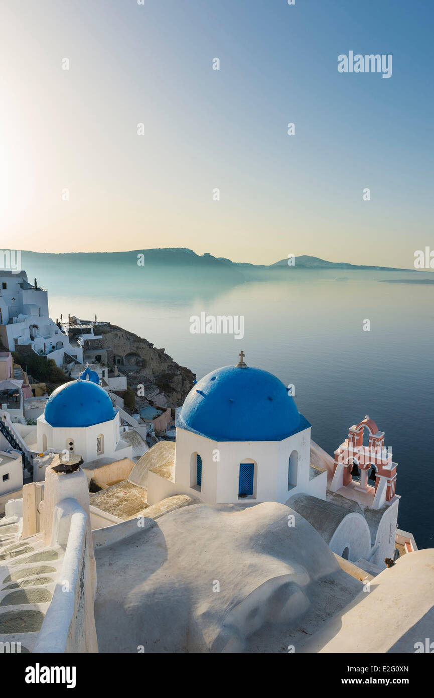 Greece Cyclades Islands Santorini Island (Thira) Oia on the rim of the caldera - Stock Image