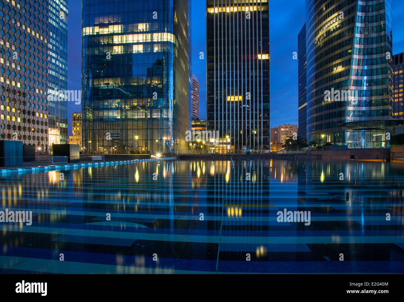 Modern buildings and reflections in La Defense district, Paris France - Stock Image