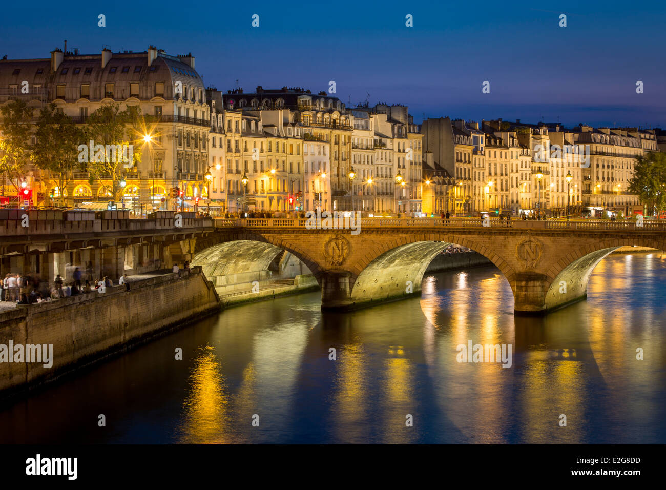 Pont Neuf and the buildings along River Seine, Paris France - Stock Image
