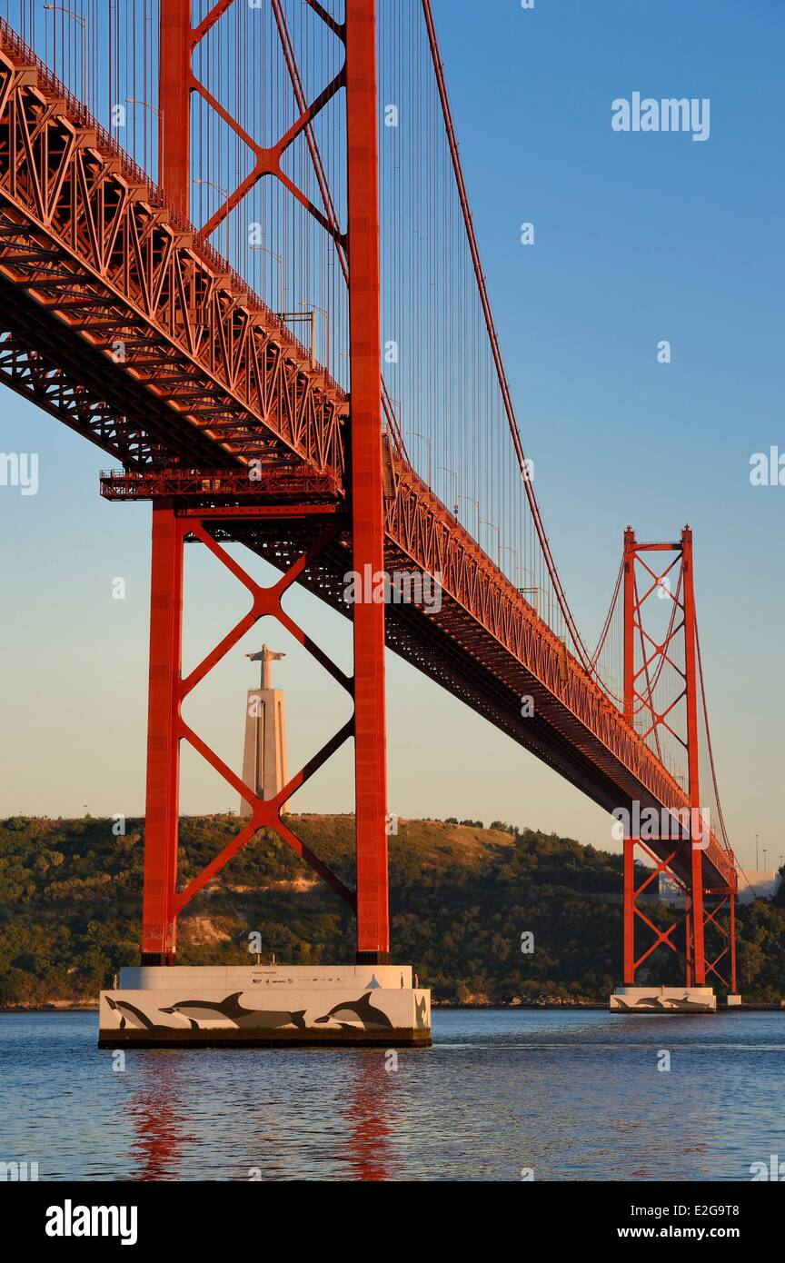 Portugal Lisbon 25 de Abril bridge on Tagus river and the Cristo Rei (Christ the King) Stock Photo