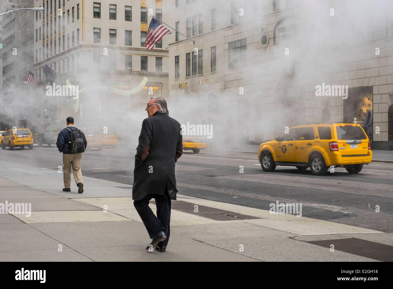 United States New York Manhattan Midtown 5th avenue in winter - Stock Image