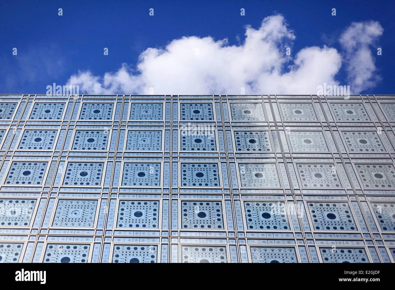 France Paris institut du Monde Arabe (Arab World Institute) by architects Jean Nouvel et Architecture-Studio1 detail - Stock Image