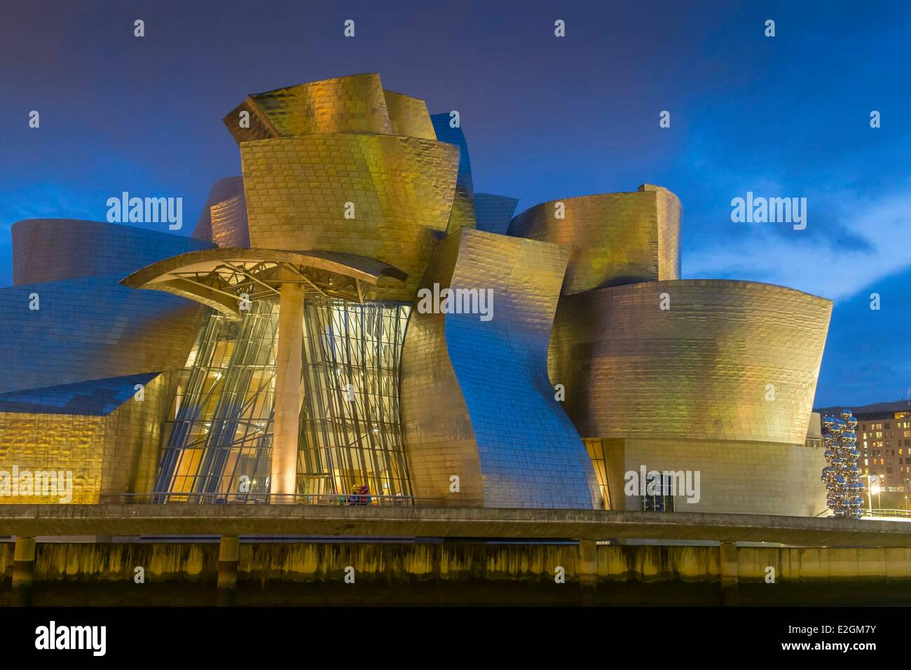 Spain Basque Country Region Vizcaya Province Bilbao Guggenheim Museum designed by Frank Gehry - Stock Image
