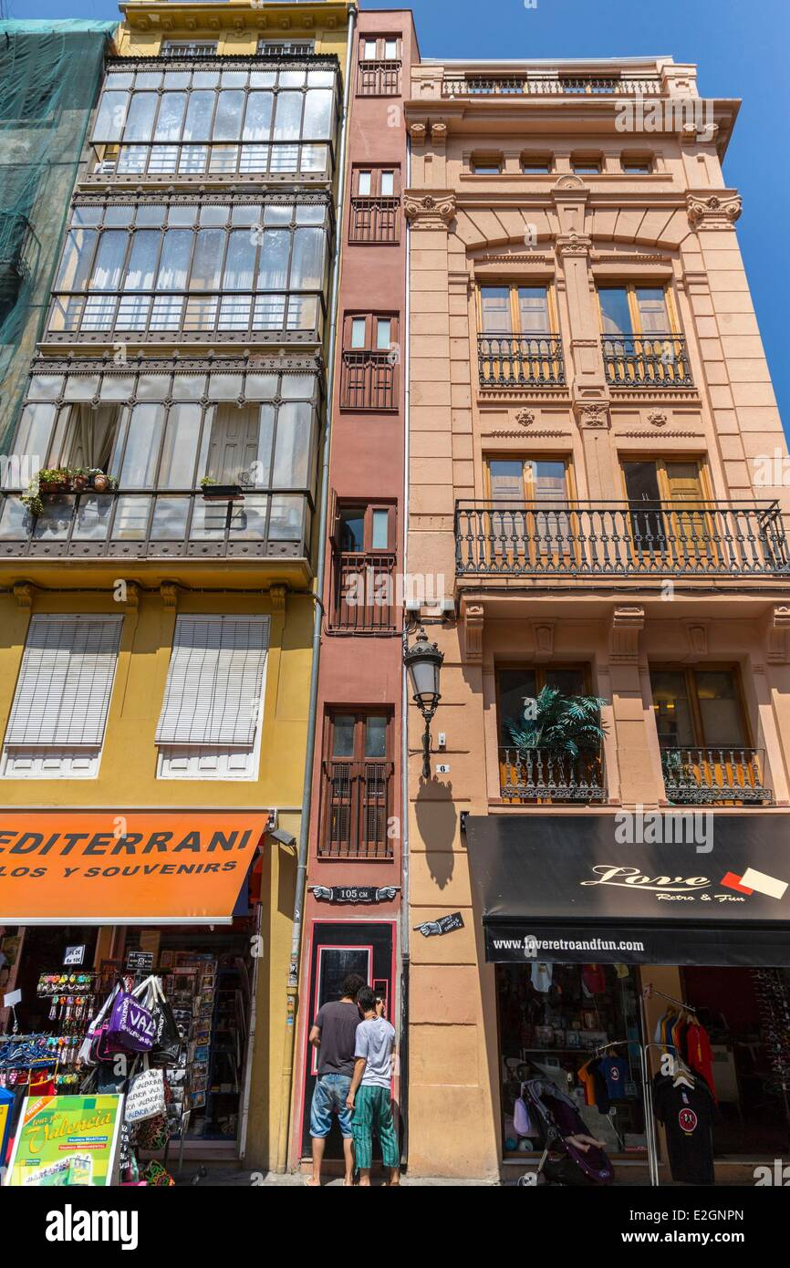 Spain Valencia Guinness World Records narrowest building in Europe (105 cm) - Stock Image