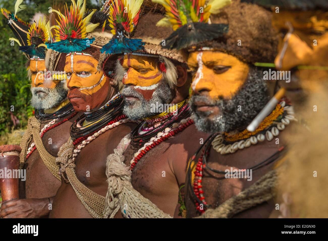 Papua New Guinea Southern Highlands Province Tari region Huli tribe village of Kobe Dumbiali shooting during filming - Stock Image