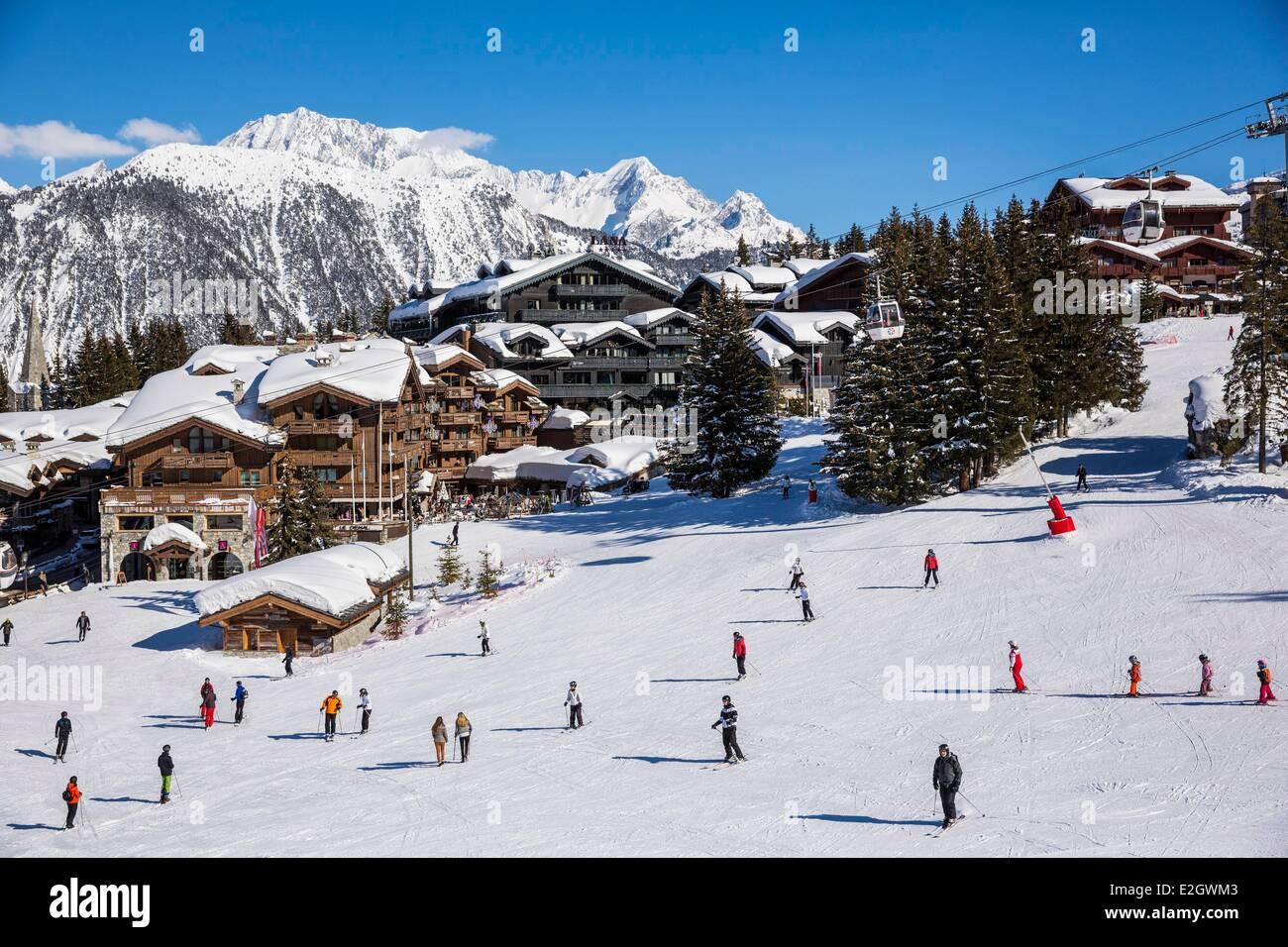 France Savoie Courchevel 1850 Le Grand Bec (Alt :3398 m) and La Pointe du Vallonnet (Alt : 3372 m) at top massif Stock Photo