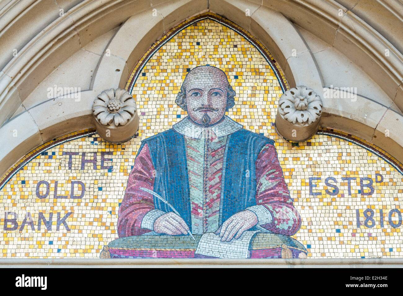 United Kingdom Warwickshire Stratford-upon-Avon Old Bank 1883 and pediment with a mosaic representing William Shakespeare Stock Photo