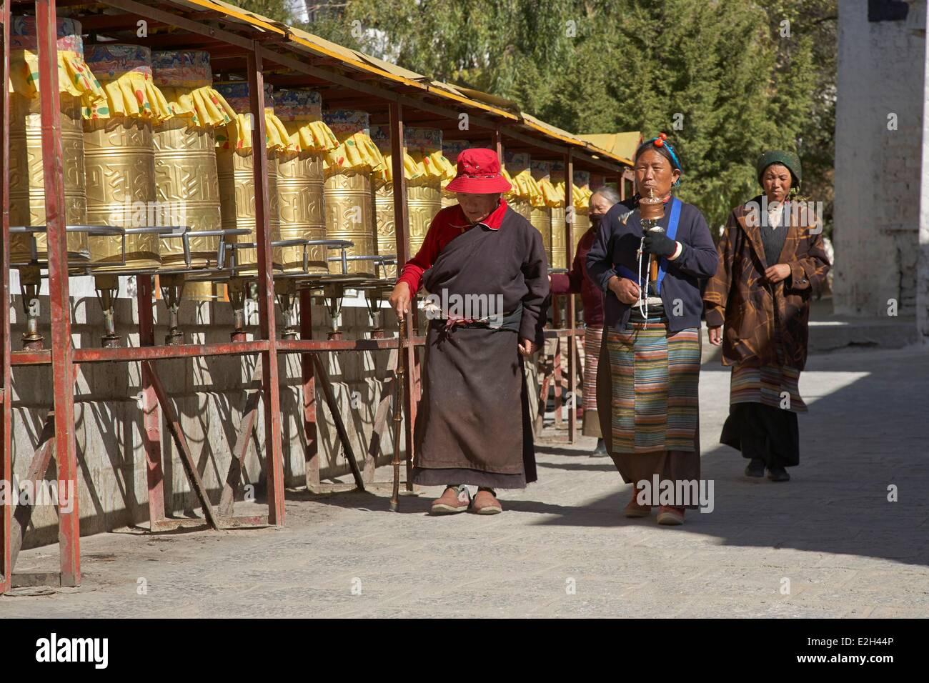 China Tibet Lhassa Pilgrims at Sera monastery - Stock Image