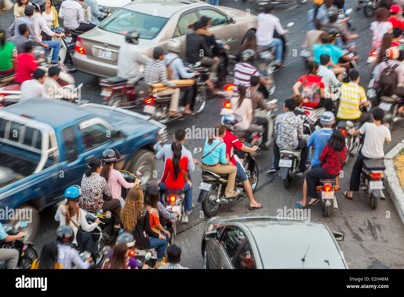 traffic accident and law in cambodia Article 1: the land traffic law governs all road users in the kingdom of  cambodia article 2:  road when making sure that it will not cause any  accident 7.