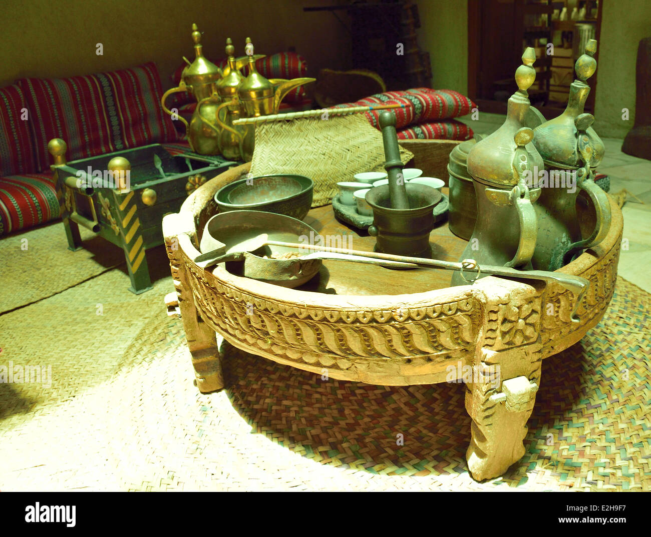 Old coffee table in new Coffee shop in Dubai - Stock Image