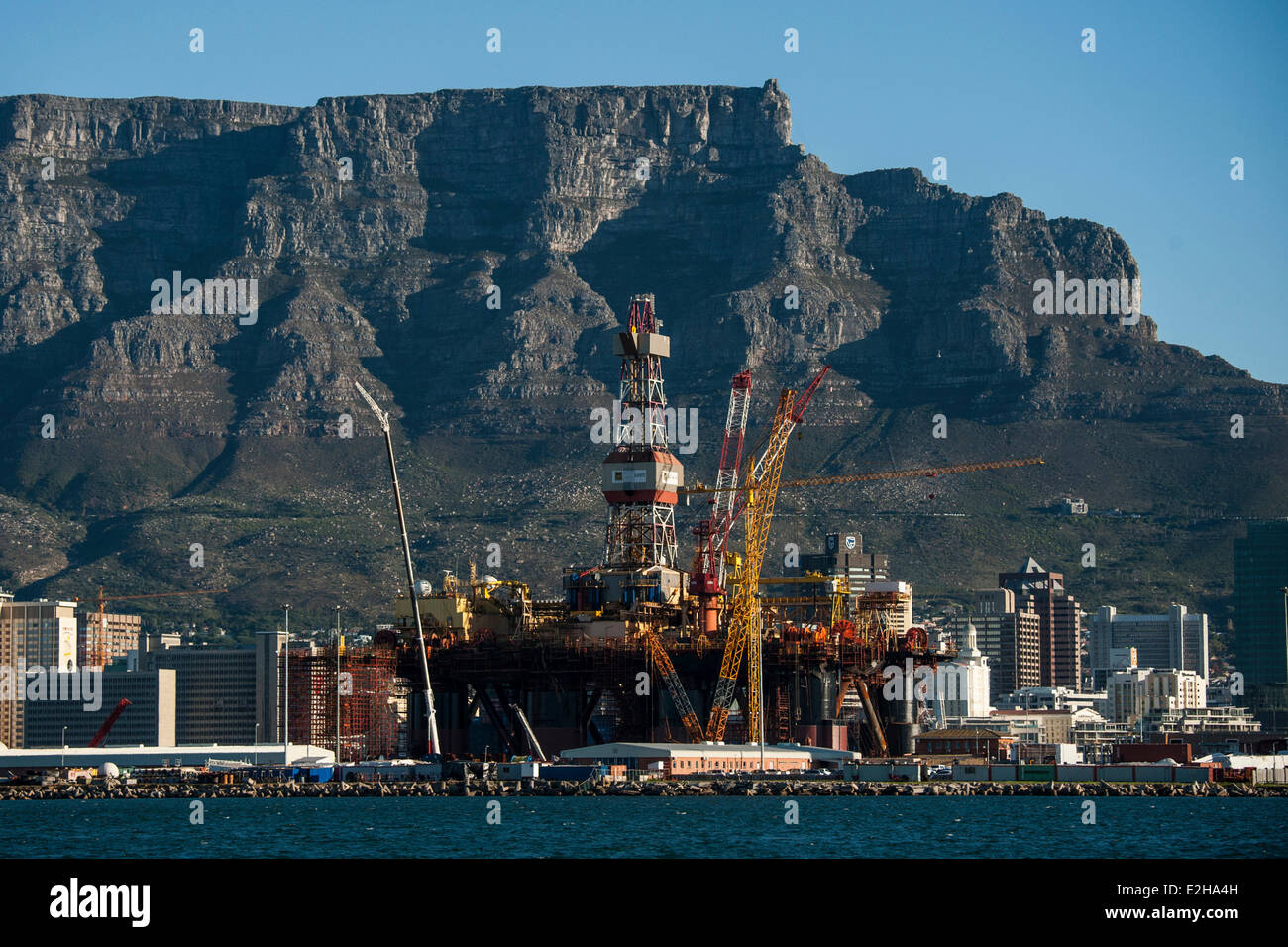 Docks with Table Mountain, Cape Town, Western Cape, South Africa - Stock Image