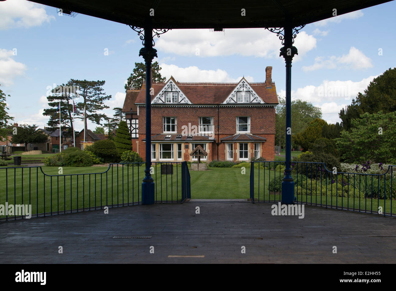 Garth Park House in Bicester from Bandstand - Stock Image