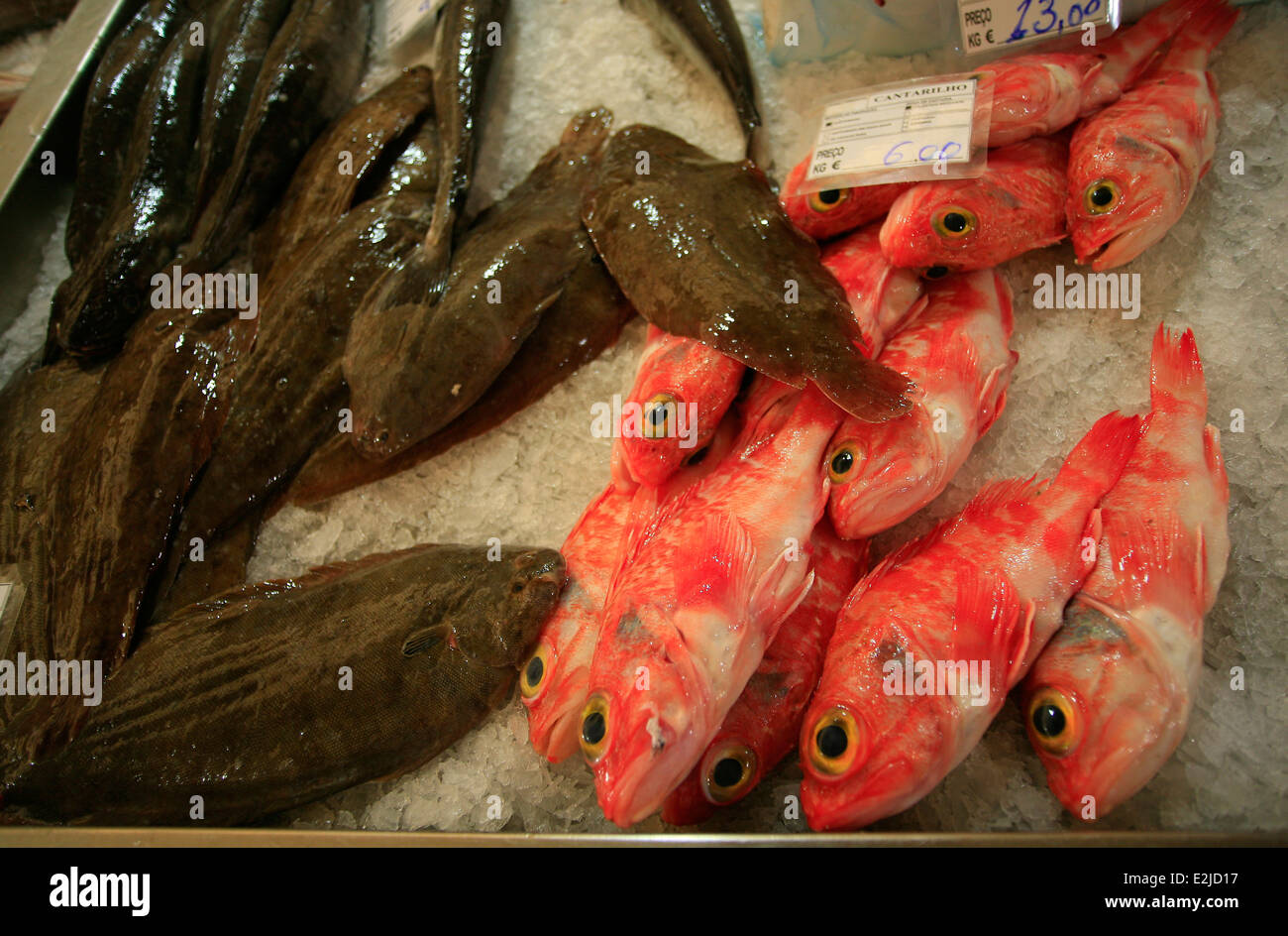 Red Mullet and Sole on ice. - Stock Image