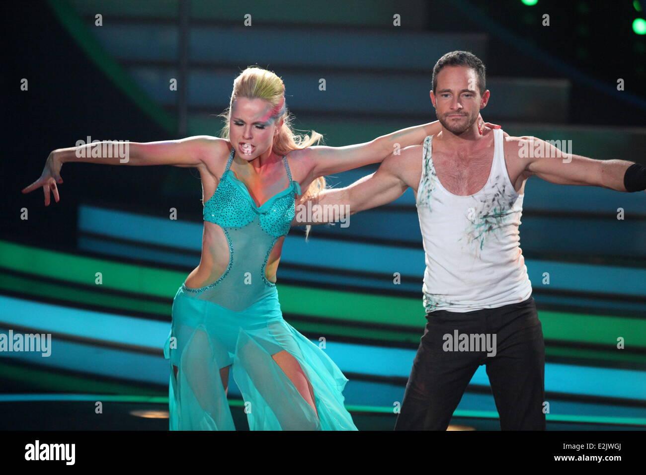 Balian Buschbaum, Sarah Latton on German RTL TV show Let