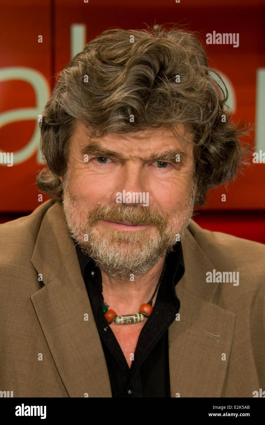 Reinhold Messner on German ARD TV show Hart aber fair at WDR Studios.  Where: Cologne, Germany When: 29 Apr 2013 - Stock Image