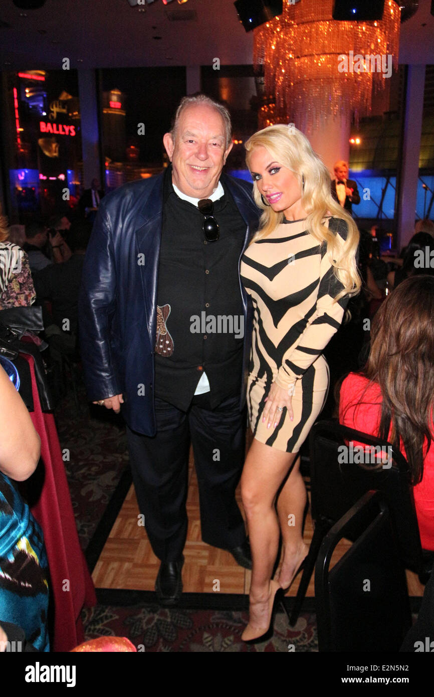 Robin Leach Stock Photos Images Alamy Zowie Blus Printed Top L1726 Bowie And Friends Opening Night At Ballys Casino Hotel For Vintage Vegas Entertainment Featuring