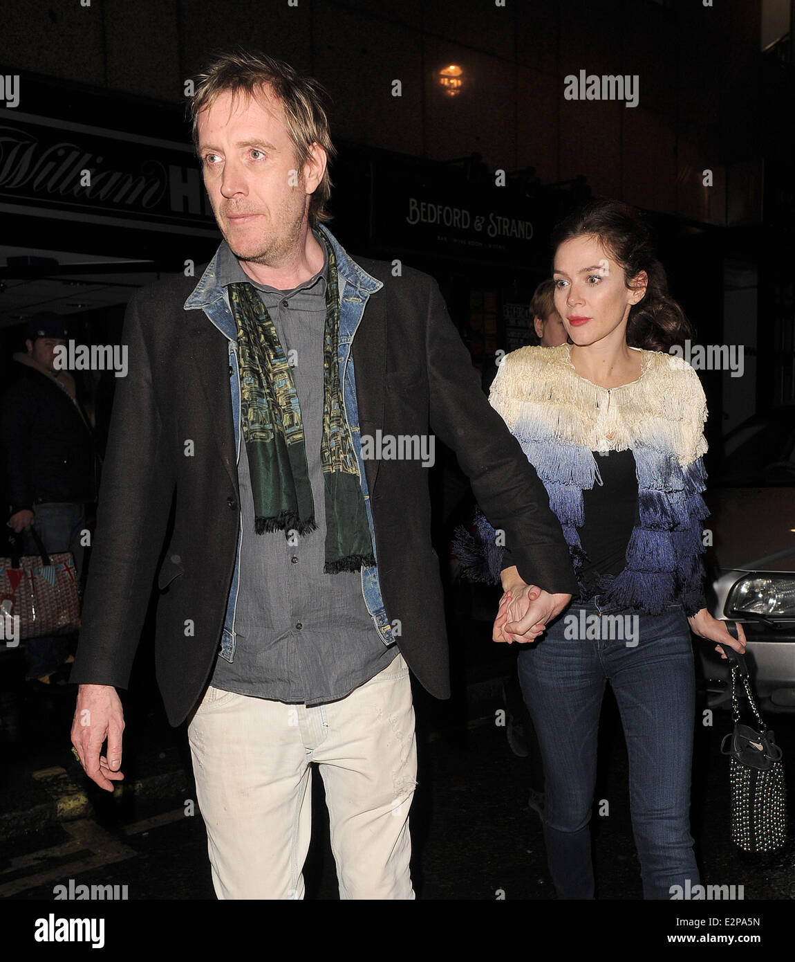 Anna Friel leaves the Bedford   Strand bar in Covent Garden with her  boyfriend Rhys Ifans at around 2am. Featuring  Anna Friel e04faf851