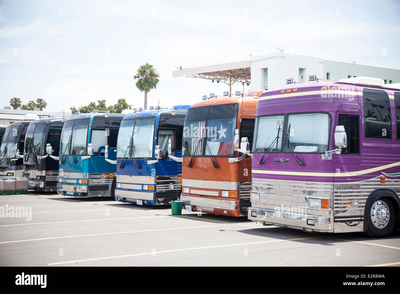 Pomona, CA, USA. 20th June, 2014. Tour buses parked at the Vans Warped Tour. Thousands of young alternative music - Stock Image