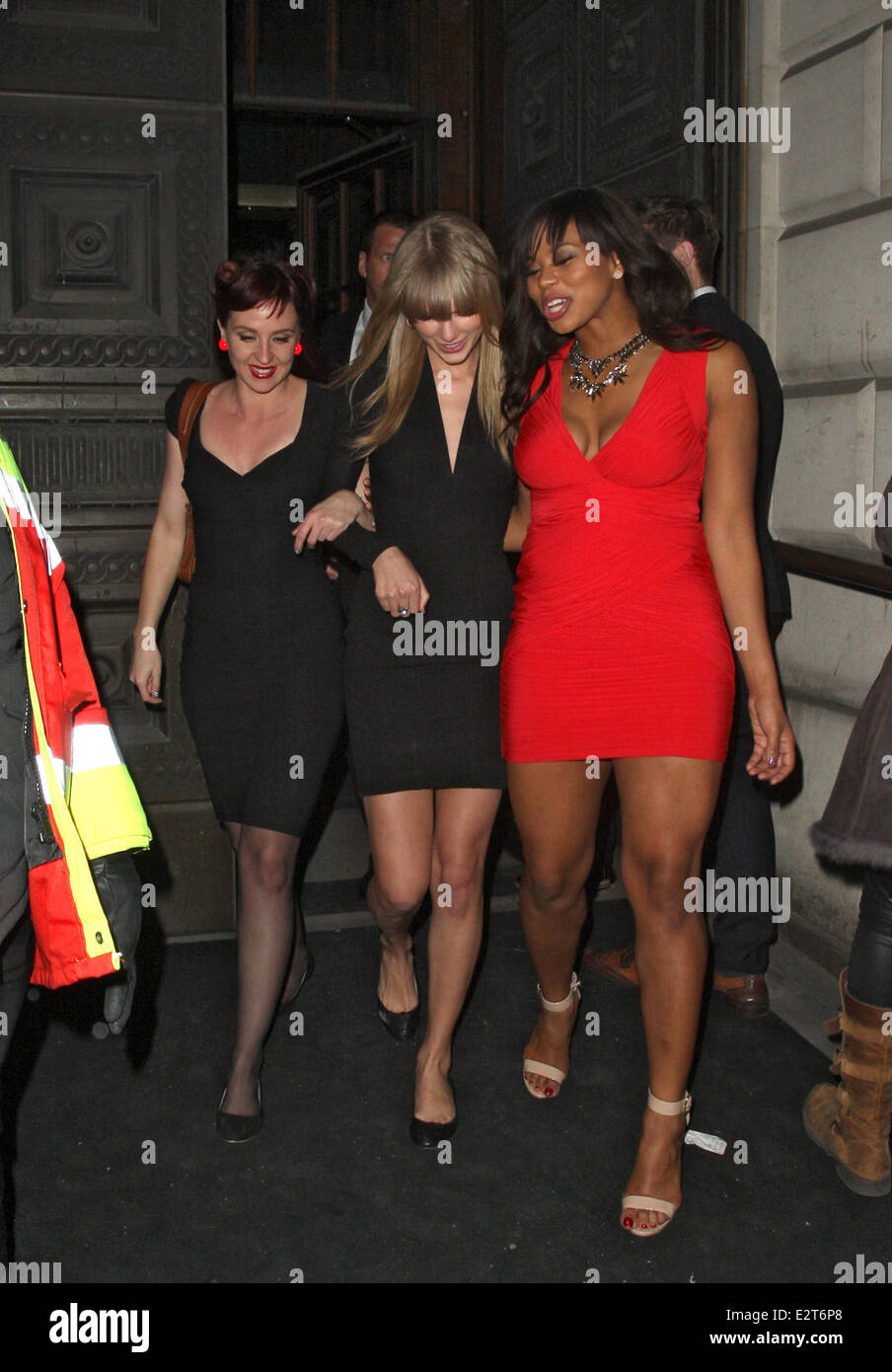 Taylor Swift Looking A Little Worse For Wear Is Supported By Friends Stock Photo Alamy