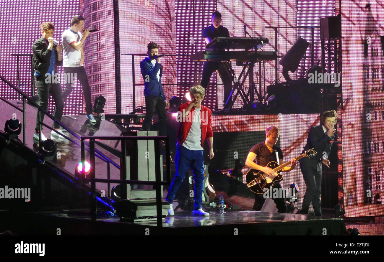 One Direction performing during the second night of their