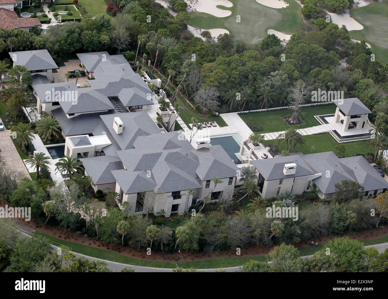 aerial views of former nba superstar michael jordan 39 s new home in stock photo 70644498 alamy. Black Bedroom Furniture Sets. Home Design Ideas