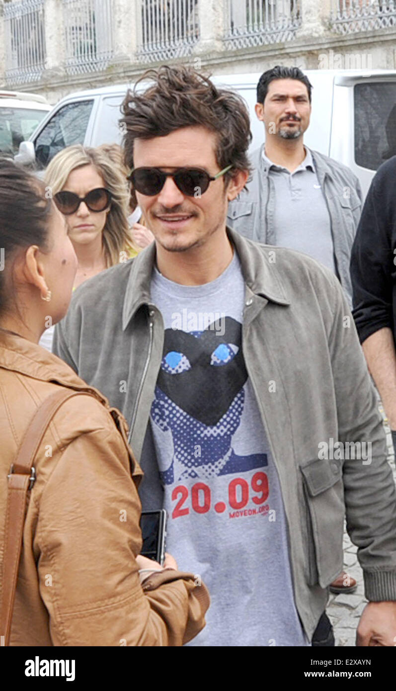 d9bfac71573e Hollywood actor Orlando Bloom was in Istanbul to shoot an advert for  Magnum. During the trip he visited a number of the cities landmarks  including ...